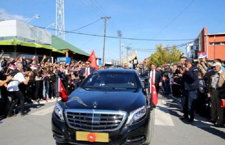 Erdogan Zaustavio Kolonu Vozila
