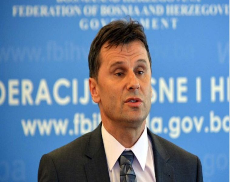 Fadil Novalic Plata